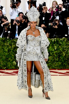 NEW YORK, NY - MAY 07: Rihanna attends the Heavenly Bodies: Fashion & The Catholic Imagination Costume Institute Gala at The Metropolitan Museum of Art on May 7, 2018 in New York City. (Photo by John Shearer/Getty Images for The Hollywood Reporter)